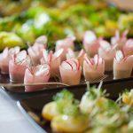 Happer med radiser til bryllupsreception