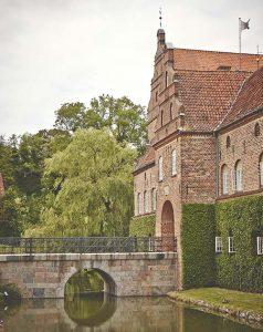 Fest paa Holckenhavn Slot